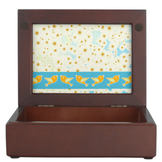 Birds and daisies keepsake box
