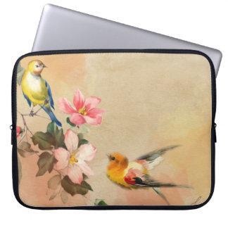 Birds le jardin laptop sleeve