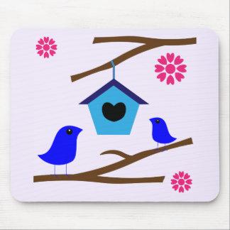 Birds Love Nest Mouse Pad