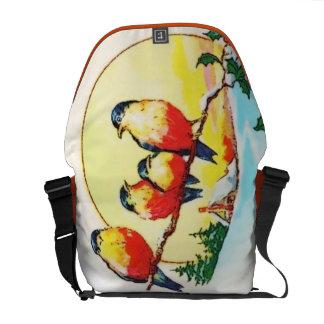 BIRDS ON HOLLY MESSENGER BAG
