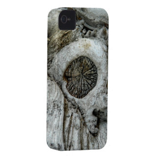 Bizarre tree abstract round shape iPhone 4 cover