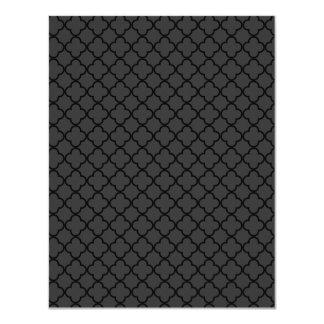 "Black and Grey Quatrefoil Pattern 4.25"" X 5.5"" Invitation Card"