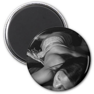 Black and White art 6 Cm Round Magnet