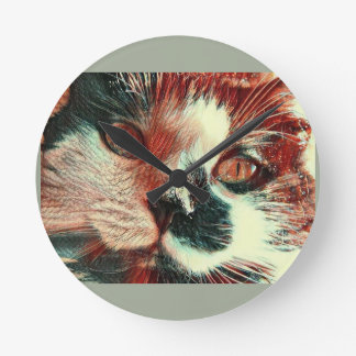 Black And White Cat With Digital Painting Effect Round Clock