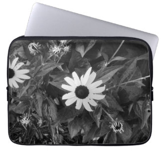 Black and White Classic Flower Laptop Sleeve