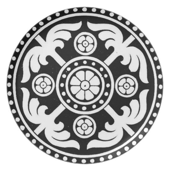 BLACK AND WHITE DECORATIVE PLATE DESIGN