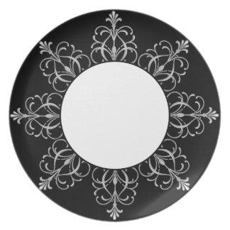 Black And White Fleur Design Dinner Plates
