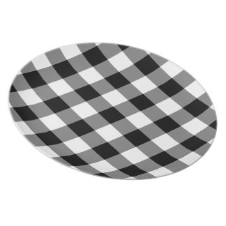 Black and White Gingham Pattern Plate