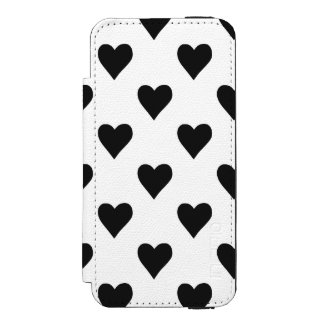 Black And White Heart Pattern Incipio Watson™ iPhone 5 Wallet Case