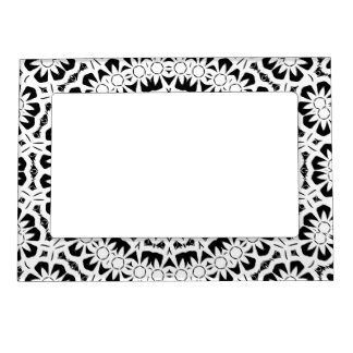 Black and White Kaleidoscope Pattern II Magnetic Picture Frame