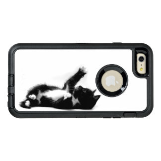 Black and white kitten on iPhone OTTERBOX case