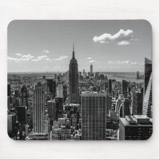 Black and White Manhattan Skyline Landscape Mouse Pad