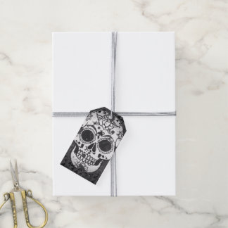 black and white Skull Gift Tags