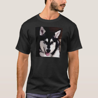 Black and white smiling Alaskan Malamute T-Shirt