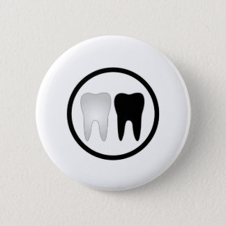 Black and white tooth 6 cm round badge