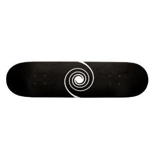 Black and White Twist. 20.6 Cm Skateboard Deck