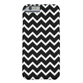 Black and White Zig Zag Pattern. Barely There iPhone 6 Case