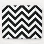 Black and white  Zigzag Chevrons Pattern