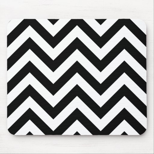 Black and white  Zigzag Chevrons Pattern Mousepad