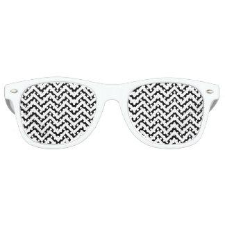 Black and White Zigzag Stripes Chevron Pattern Retro Sunglasses