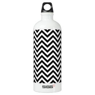 Black and White Zigzag Stripes Chevron Pattern Water Bottle