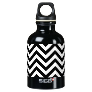Black and White Zigzag Stripes Chevron Pattern Water Bottle