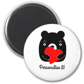 Black bear holding a heart 6 cm round magnet