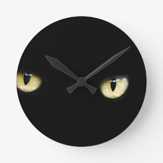 Black Cat's Eyes Round Clock
