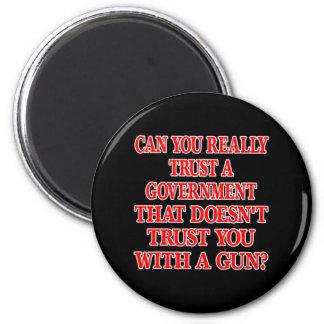 Black Gov Trust You With Gun 6 Cm Round Magnet