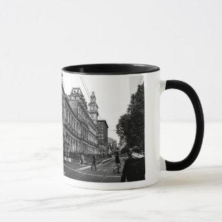 Black-handled Mug