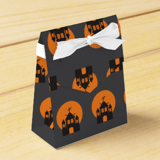 Black haunted house, bats for Halloween Party Favour Boxes