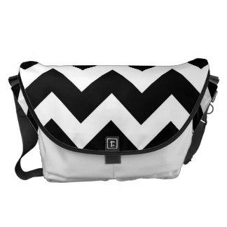 Black White Chevron Zigzap Pattern Messenger Bag