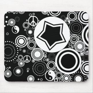 black white circles mouse pad