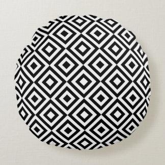 Black & White Geometric Diamond Pattern Round Cushion