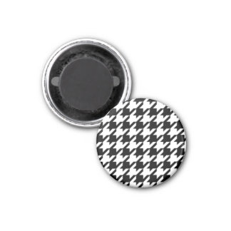 Black & White Hounds Tooth Round Magnet