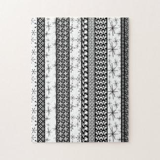 Black & White Retro Pattern Stripes 1 Jigsaw Puzzle