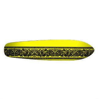 Black & Yellow Paisley Skateboard Oldschool