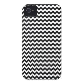 Blackberry Bold B&W Chevron Case iPhone 4 Case-Mate Case