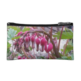 bleeding hearts small cosmetic bag