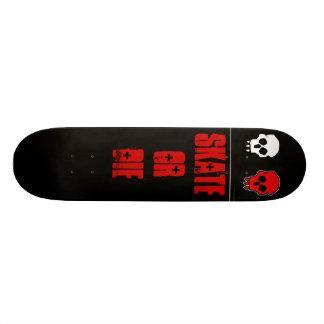 blk skull2 SKATE OR DIE Skateboard Deck
