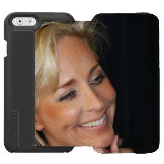 Blond Woman Smiling Incipio Watson™ iPhone 6 Wallet Case