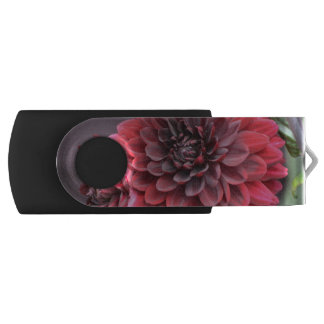 Blooming Red Dahlias Swivel USB 2.0 Flash Drive