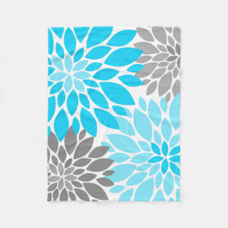 Blue and Gray Chrysanthemums Floral Pattern Fleece Blanket