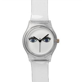 Blue eyes watch