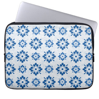 Blue floral pattern laptop sleeve