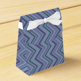 Blue-grey zigzag stripes favour box
