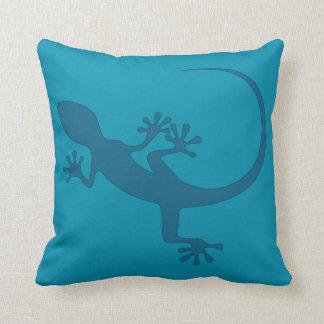 Blue lizard, geko - Faraglioni, Capri, Italy Cushion