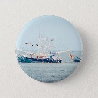 Blue Shrimp Boat on the Ocean 6 Cm Round Badge