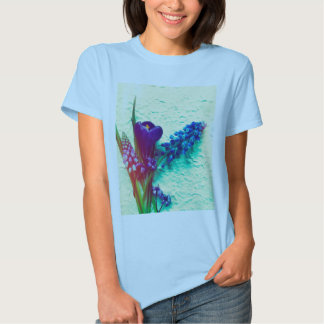 Blue spring flowers on textured background tee shirt
