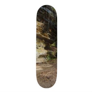 Bluff Lined Walkway 18.1 Cm Old School Skateboard Deck